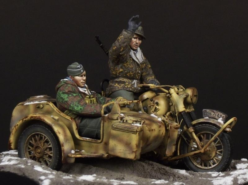 german motorcycle crew 1 35 size tb 35086 the bodi miniatures online shop models resin. Black Bedroom Furniture Sets. Home Design Ideas