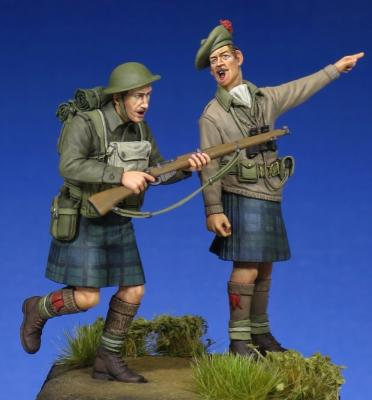 Scottish Black Watch Officer & Soldier WW II