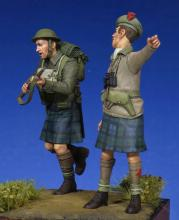 Scottish Black Watch Officer & Soldier WW II - 3.